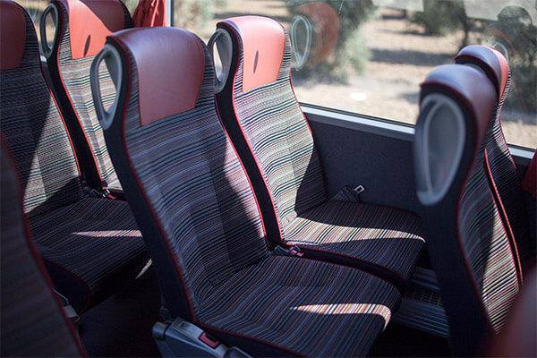 flota-autobuses-54-plazas-con-asientos-dobles