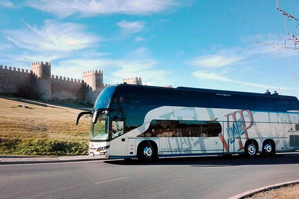 autobus-grande-de-71-plazas-viaje