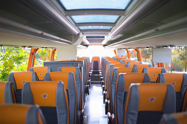 asientos-narajas-y-grises-autobus-vipcar